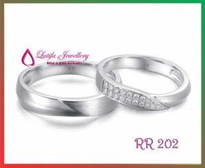 cincin tunangan Kahiyang Ayu putri presiden anak presiden joko widodo jokowi cincin kawin model emas pertunangan pernikahan solo jogja jakarta