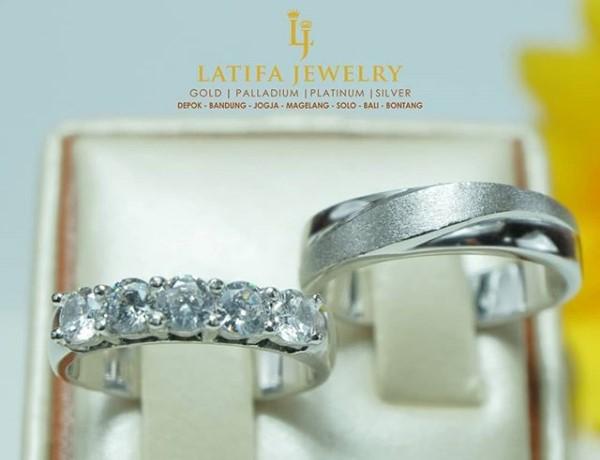 cincin tunangan berlian, cincin tunangan emas, cincin nikah palladium, cincin kawin emas perak 925, cincin couple platinum, cincin kawin palladium, cincin tunangan emas, bikin cincin kawin, pin emas